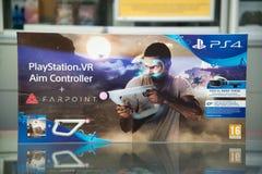 Ελεγκτής στόχου Playstation VR με videogame Farpoint Στοκ φωτογραφία με δικαίωμα ελεύθερης χρήσης