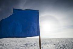 Ελεγμένη γραμμή τερματισμού σημαιών Στοκ φωτογραφία με δικαίωμα ελεύθερης χρήσης