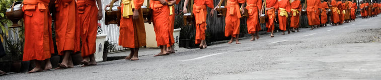 Ελεημοσύνες Prabang Luang που δίνουν την τελετή Στοκ Φωτογραφίες