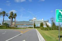 Ελευθερία των θαλασσών στο λιμένα Canaveral στοκ φωτογραφίες με δικαίωμα ελεύθερης χρήσης