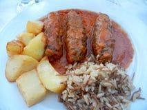 Ελληνικά κεφτή, πατάτες, και ρύζι Στοκ Φωτογραφία