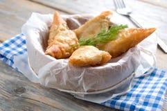 Ελληνικά τρίγωνα ζύμης filo φέτας και σπανακιού στοκ εικόνα με δικαίωμα ελεύθερης χρήσης
