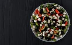 ελληνική σαλάτα πιάτων Στοκ φωτογραφίες με δικαίωμα ελεύθερης χρήσης