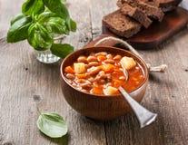 ελληνική σούπα τροφίμων φασολιών παραδοσιακή Στοκ Εικόνες