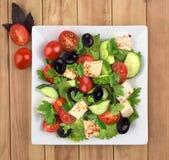 Ελληνικό μαρούλι σαλάτας, ντομάτες, Στοκ εικόνα με δικαίωμα ελεύθερης χρήσης