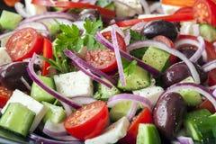 Ελληνικό πλήρες πλαίσιο σαλάτας Στοκ εικόνα με δικαίωμα ελεύθερης χρήσης