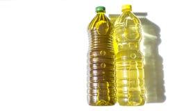 Ελιά εναντίον του ηλιέλαιου που εμφιαλώνεται στη PET Στοκ Εικόνα