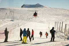 Ελικόπτερο που προσγειώνεται κοντά σε Matterhorn, Ελβετία Στοκ φωτογραφία με δικαίωμα ελεύθερης χρήσης