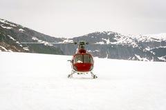 Ελικόπτερο που προσγειώνεται στον παγετώνα ι Στοκ φωτογραφία με δικαίωμα ελεύθερης χρήσης
