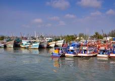 Ελλιμενίζοντας βάρκες σε Phuket, Ταϊλάνδη Στοκ φωτογραφία με δικαίωμα ελεύθερης χρήσης