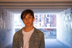 ελκυστικές αστικές νεολαίες ατόμων ανασκόπησης Στοκ Εικόνα