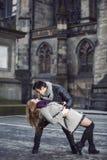 ελκυστικές νεολαίες αγάπης ζευγών Στοκ Εικόνα