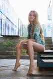 ελκυστικές ξανθές νεολ στοκ φωτογραφία με δικαίωμα ελεύθερης χρήσης