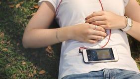 Ελκυστική γοητευτική έννοια τραγουδιού μόδας Playlist μουσικής Στοκ Εικόνες