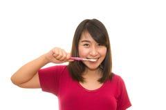 Ελκυστική γυμνή γυναίκα με την οδοντόβουρτσα Στοκ φωτογραφία με δικαίωμα ελεύθερης χρήσης