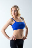 Ελκυστική θηλυκή τοποθέτηση αθλητών στο στούντιο Στοκ φωτογραφίες με δικαίωμα ελεύθερης χρήσης