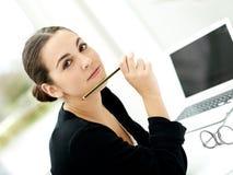 Ελκυστική μοντέρνη νέα επιχειρηματίας Στοκ Φωτογραφία