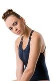 Ελκυστική νέα τοποθέτηση χορευτών με το κεφάλι της που υποκύπτουν Στοκ εικόνες με δικαίωμα ελεύθερης χρήσης