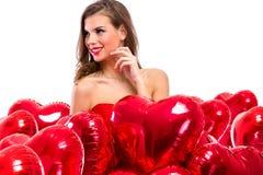 ελκυστική χαμογελώντας γυναίκα καρδιών Στοκ φωτογραφία με δικαίωμα ελεύθερης χρήσης