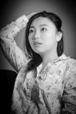 Ελκυστικό ασιατικό κορίτσι στη δεκαετία του '20 της στο θέατρο Στοκ φωτογραφία με δικαίωμα ελεύθερης χρήσης