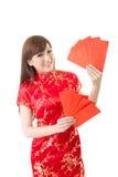 Κόκκινη κινεζική γυναίκα φακέλων Στοκ Φωτογραφίες