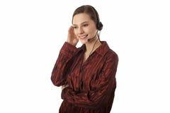Ελκυστικό ύφασμα εξυπηρέτησης πελατών χαμόγελου θηλυκό στοκ εικόνες με δικαίωμα ελεύθερης χρήσης