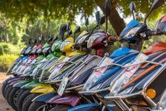 Ε-ποδήλατα για το μίσθωμα σε Bagan, το Μιανμάρ Το Bagan στην κεντρική Βιρμανία είναι μια από τις παγκόσμιες μέγιστες archeologica Στοκ Εικόνα