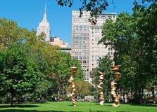 Εmpire State Building που βλέπει από το τετραγωνικό πάρκο του Μάντισον στην πόλη της Νέας Υόρκης Στοκ Εικόνα