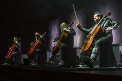 Ζάγκρεμπ, ΚΡΟΑΤΙΑ †«στις 3 Απριλίου 2017: Φινλανδικό pla Apocalyptica ζωνών Στοκ Εικόνα