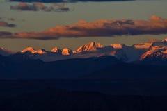 Ζάγκρεμπ στο Θιβέτ το βουνό χιονιού ήλιων πρωινού Στοκ Εικόνες