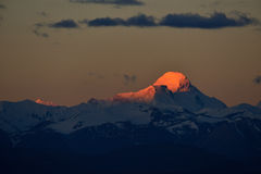Ζάγκρεμπ στο Θιβέτ το βουνό χιονιού ήλιων πρωινού Στοκ Φωτογραφίες
