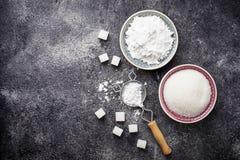 Ζάχαρη και σκόνη στο συγκεκριμένο υπόβαθρο Στοκ Εικόνα