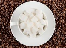 ζάχαρη κομματιών φλυτζανιώ& Στοκ Φωτογραφία