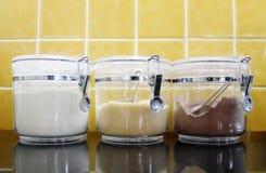 Ζάχαρη, κορφολόγος, εμπορευματοκιβώτια σκονών κακάου Στοκ Εικόνες