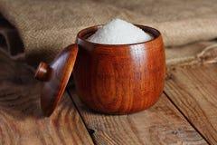 Ζάχαρη στον ξύλινο πίνακα Στοκ Εικόνα