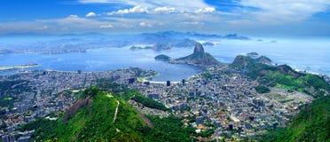 ζάχαρη του Ρίο πανοράματος βουνών φραντζολών janeiro της Βραζιλίας de guanabara κόλπων Στοκ φωτογραφία με δικαίωμα ελεύθερης χρήσης