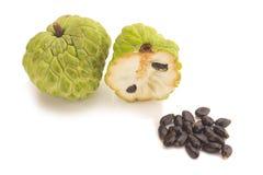 Ζάχαρη Apple & x28 μήλο κρέμας, Annona, sweetsop& x29  στο άσπρο backgroun Στοκ Εικόνες