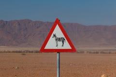 Ζέβες πέρασμα Roadsign στην Αφρική Στοκ Φωτογραφίες