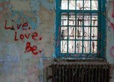 Ζήστε αγάπη είναι Στοκ φωτογραφία με δικαίωμα ελεύθερης χρήσης