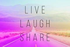 Ζήστε μερίδιο γέλιου στοκ εικόνες