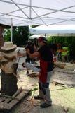 Ζήστε ξύλινα γλυπτά με την τέχνη Settala - Mi Prem ` - Ιταλία Στοκ Εικόνα