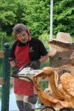 Ζήστε ξύλινα γλυπτά με την τέχνη Settala - Mi Prem ` - Ιταλία Στοκ Φωτογραφία
