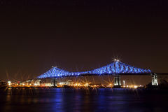 Ζακ Cartier Bridge Illumination στο Μόντρεαλ 375η επέτειος Montreal's φωτεινός ζωηρόχρωμος διαλογικός Στοκ εικόνες με δικαίωμα ελεύθερης χρήσης