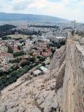 Ζαλίζοντας πανόραμα της άποψης της Αθήνας στον καλό καιρό στοκ εικόνες