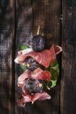 Ζαμπόν και σύκα οβελιδίων Στοκ Εικόνα