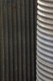 ζαρωμένη δεξαμενή όμβριων υδάτων σιδήρου Στοκ Εικόνες