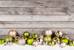 Ζαλίζοντας διακοσμήσεις σφαιρών Χριστουγέννων για τις διακοπές Στοκ Εικόνα