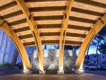 Ζαλίζοντας την ξύλινη αίθουσα εισόδων τη νύχτα Στοκ φωτογραφία με δικαίωμα ελεύθερης χρήσης