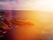 Ζαλίζοντας τον εναέριο πυροβολισμό του σημείου Ardnamurchan, μεγάλο Britains το περισσότερο δυτικό σημείο, με το φάρο και το όμορ Στοκ Φωτογραφία