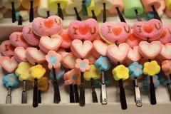 Ζελατίνα ι u αγάπης με τη μορφή καρδιών Στοκ Εικόνα
